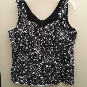 Torrid Black & White lace print Sateen Peplum top